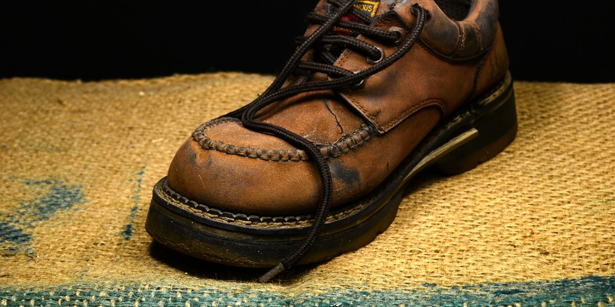 Best Tennis Shoes for Warehouse Work